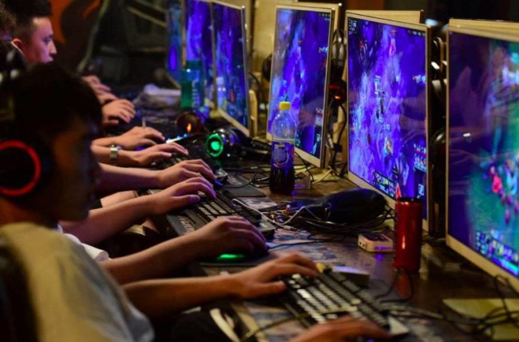 """China impuso un """"toque de queda digital"""" a los menores de edad"""